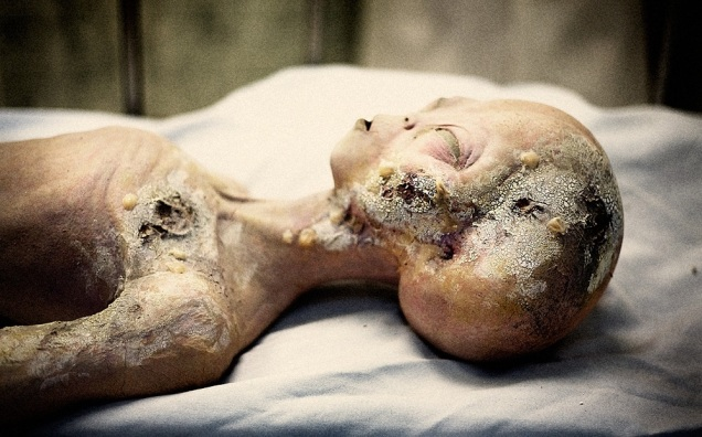The-truth-of-Roswell-Alien-Autopsy-video
